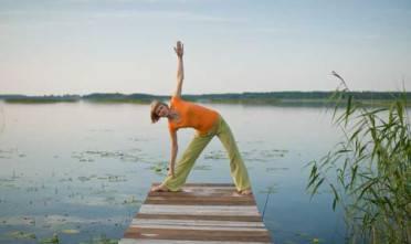 pozycje stojące joga mocna podstawa