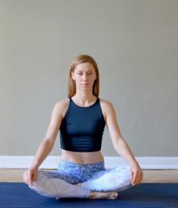 joga, pranajama, joga na stres, stres, radzenie sobie ze stresem, ćwiczenia oddechowe, wege