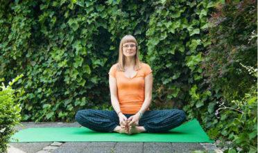 siady pozycje siedzące joga