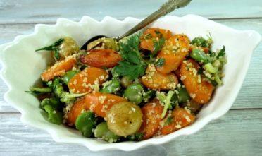 sałatka z młodej pieczonej marchwi i quinoa z niejednego garnka 4s (large)