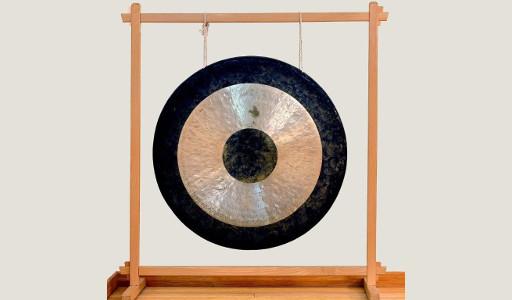 Joga i gongi kąpiel w dźwiękach gongu