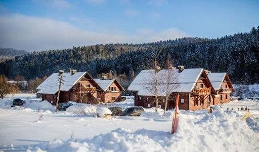 Joanna Jedynak zima z jogą w Bieszczadach Cisna