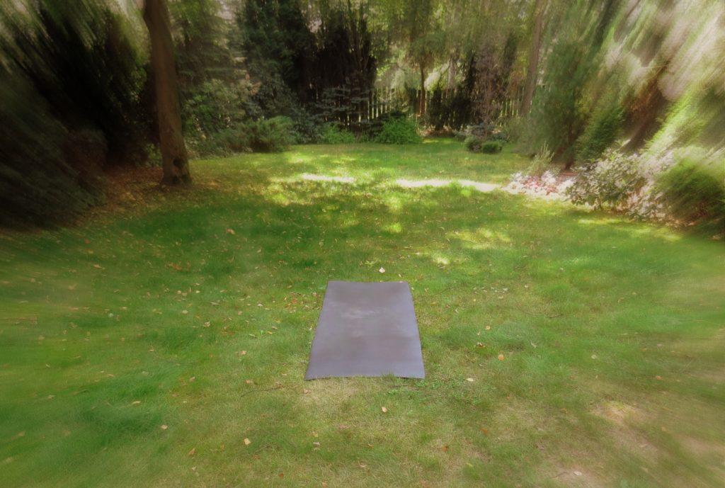 Joga w ogrodzie 1a