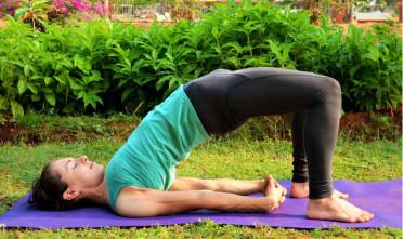 Obudź się na wiosnę z jogą Chathuspadasana