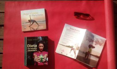 Tara Stiles, Rachel Brathen, joga, SUP, Nivata, powitanie słońca, powitanie księżyca, zdrowa dieta