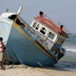 podróż na Sri Lankę: Uppuveli – wrak wyrzucony na plażę przez sztorm