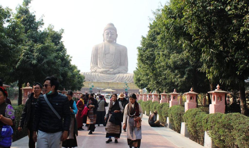 Znalezione obrazy dla zapytania Bodh Gaya pielgrzymi