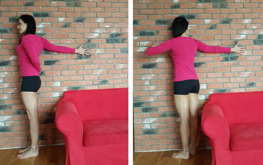asany na napięcie szyi: cała ręka na ścianie