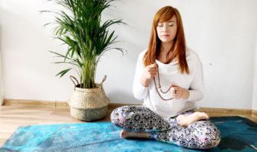 jak medytować, techniki relaksacyjne, uważność, oddech