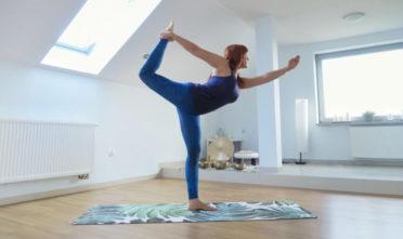 asany stojące, pozycje stojące, wzmacnianie nóg