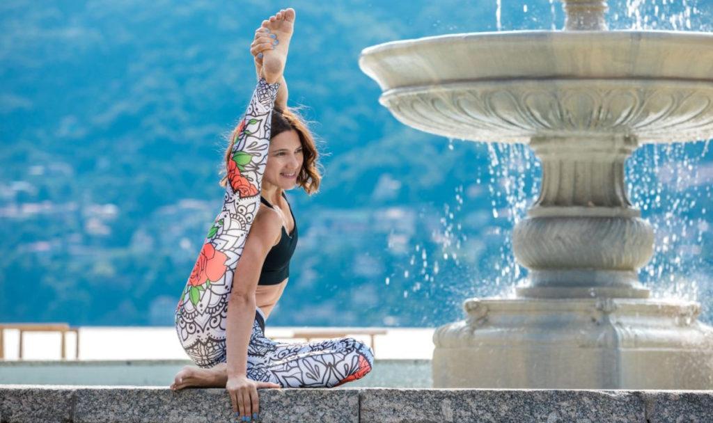 pomysły na jogowe prezenty, prezenty dla joginów, maty do jogi nowości. nowości jogowe
